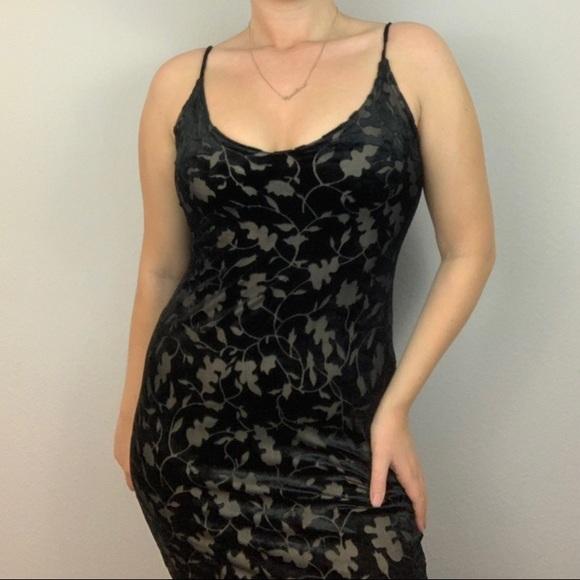 Xgen Dresses & Skirts - Vintage Black Velvet Dress